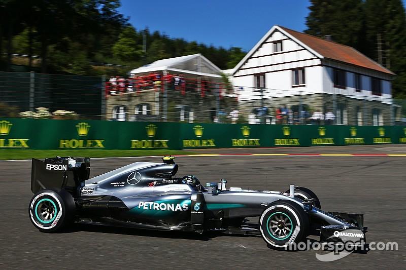 Dilemma voor Mercedes: krijgt Rosberg een betere motor dan Hamilton?