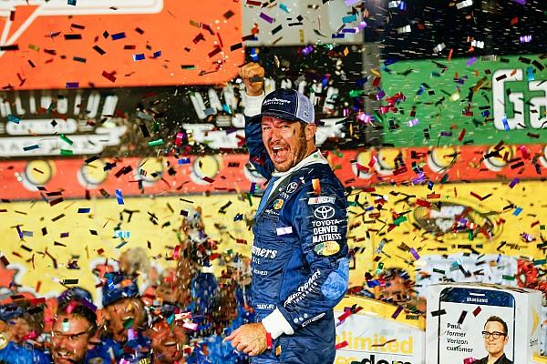 NASCAR Cup Truex Jr. aparece no fim e supera Harvick em Darlington