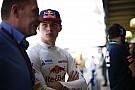 Max Verstappen hivatalos képeken a Red Bull szerelésében!