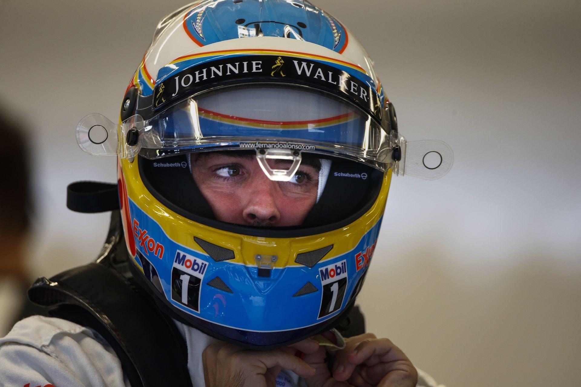 Így mutatna Alonso a Sauber színeiben: inkább ne!