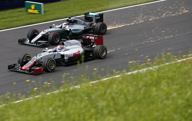 Hamilton és Grosjean páros táncot mutatott be Spielbergben