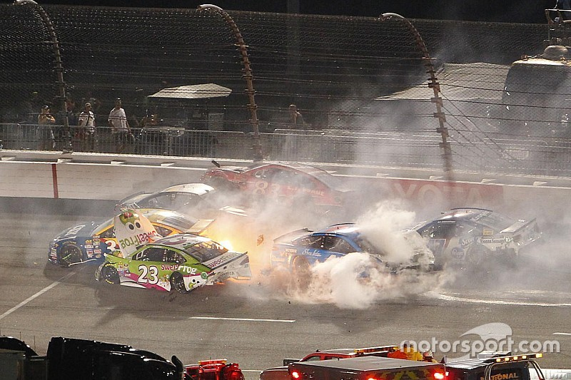 "Ryan Newman nach Richmond-Crash: Tony Stewart ""hat Probleme"""