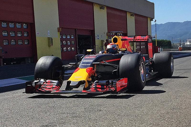 """来季F1用ワイドタイヤをテストしたブエミ。「来年のマシンは新人にとって """"恐怖"""" 」"""