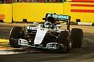 新加坡大奖赛FP2:罗斯伯格领跑,汉密尔顿遭遇液压问题