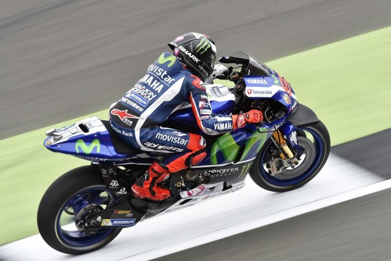"""MotoGP: Lorenzo """"feltámadt"""" és megszerezte a pole-t Rossi és Vinales előtt!"""