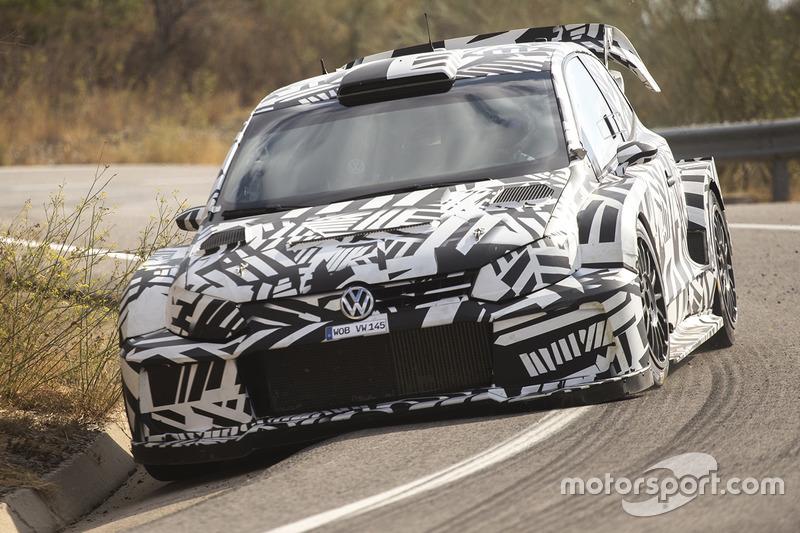 Galéria: Elkészült (?) a Volkswagen jövő évi raliautója, a Polo R WRC