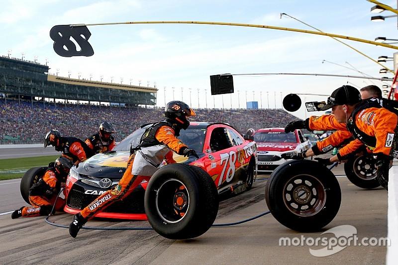 NASCAR: 2017-től még a mostaninál is kevesebb szerelő a boxkiállásoknál?!