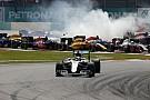 A Mercedes megerősítette, Hamilton semmilyen hátrányban nincs Rosberghez képest