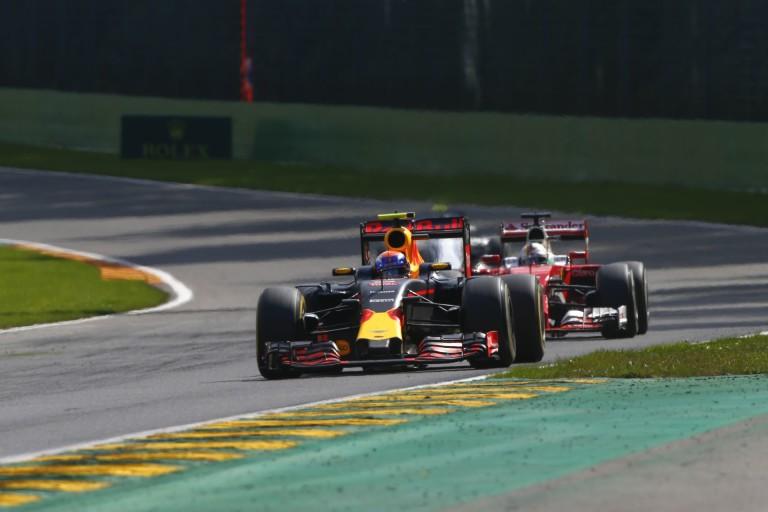 A Red Bull megerősítette, az FIA valóban figyelmeztette Verstappent