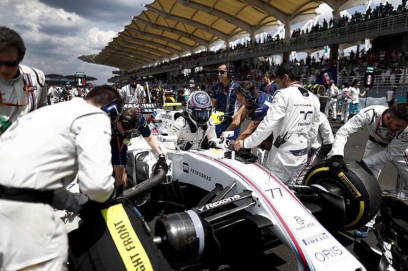 Williams test nieuwe stoelriemen op Suzuka