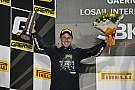 Course 1 - Victoire pour Davies, le titre pour Rea