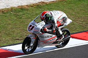 Moto3 Relato da corrida Em prova repleta de acidentes, Bagnaia vence em Sepang