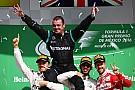 Verstappen verliest podiumplaats na tijdstraf, zege Hamilton