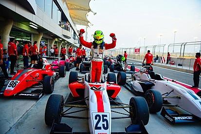 """تحدي """"إم.آر.إف"""": شوماخر يُحرز فوزاً ثانياً خلال السباق الأخير في البحرين"""