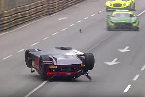GT Gara FIA GT World Cup: Vanthoor vincitore dopo il decollo e la bandiera rossa