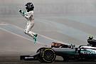 【F1アブダビGP】激しいプレッシャーに打ち勝った新王者ロズベルグ、ハミルトンに理解示す