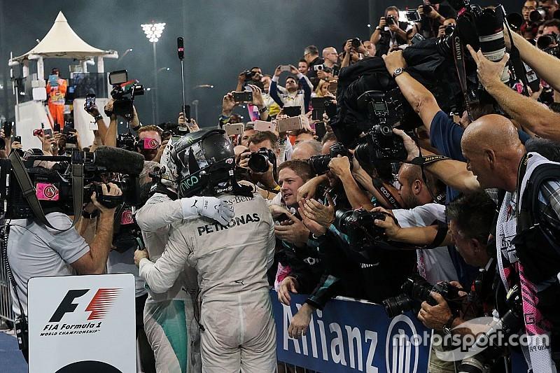 Lluvia de felicitaciones al nuevo campeón, Nico Rosberg