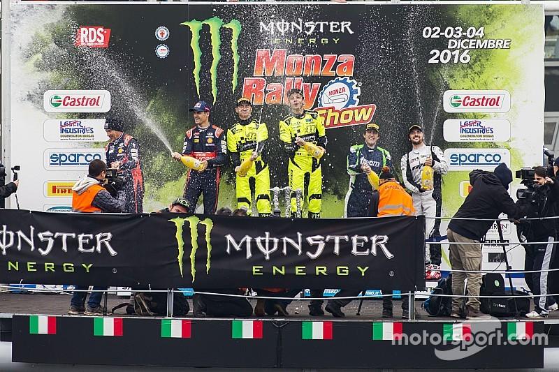 Valentino presume su título en el Monza Rally Show