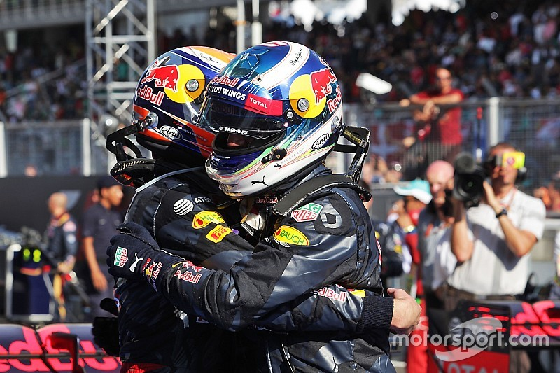 """Horner: """"Ricciardo is als een grote broer voor Verstappen"""""""
