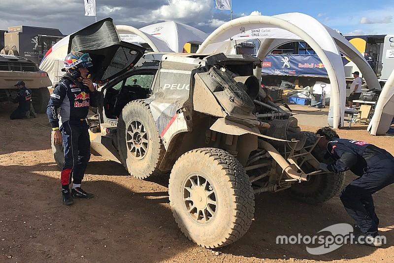 Carlos Sainz tersingkir dari Reli Dakar 2017