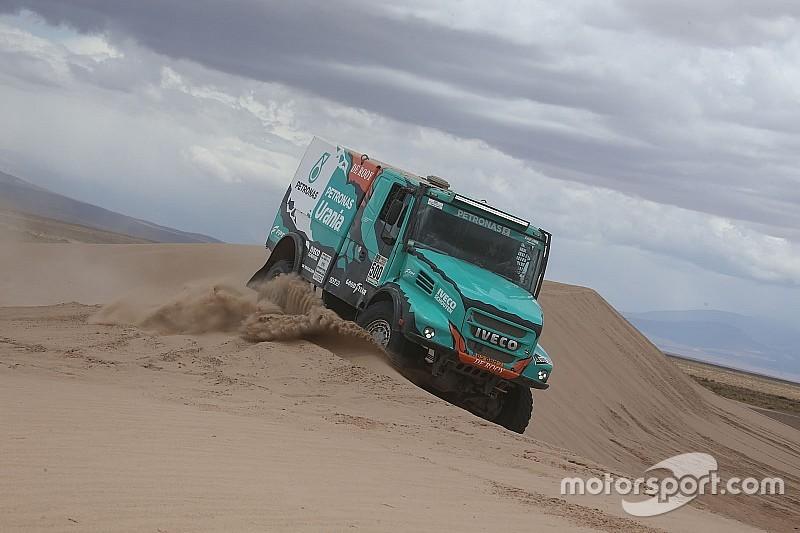 Camiones: De Rooy alcanza el liderato con otra victoria