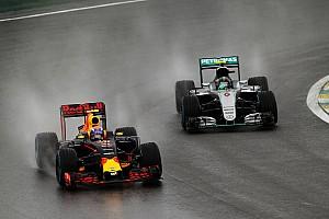 Formule 1 Nieuws Inhaalactie Verstappen in Brazilië door fans verkozen tot beste van het jaar