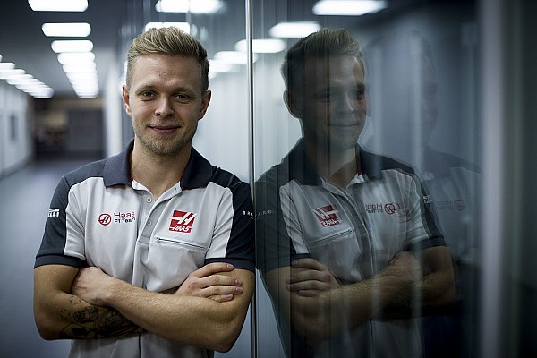Formula 1 Son dakika Haas VF-17'yi ilk Magnussen kullanacak