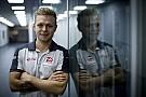 Formula 1 Haas VF-17'yi ilk Magnussen kullanacak