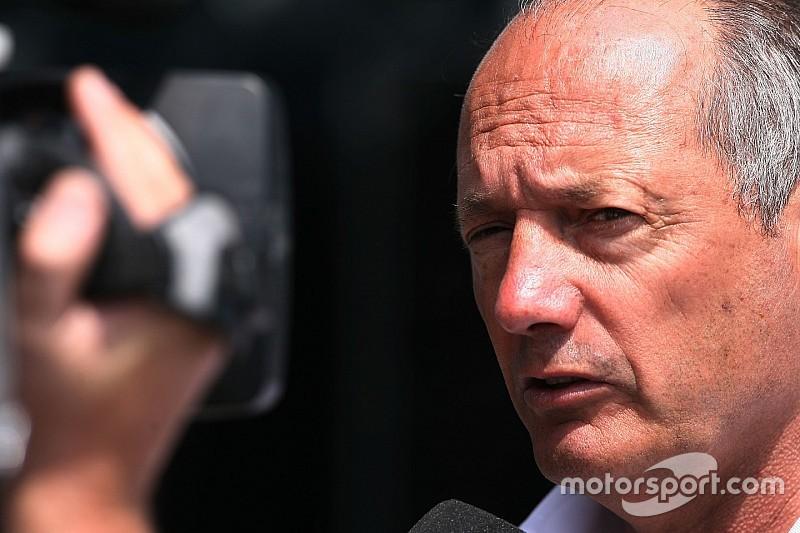 В McLaren подтвердили уход Денниса