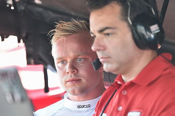 IndyCar Últimas notícias Rosenqvist impressiona em teste