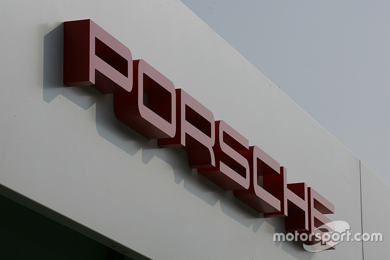Porsche купує Red Bull, а Honda - Toro Rosso?