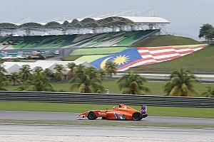 Carrera de F4 termina sin coches en Sepang