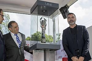F1 Noticias de última hora Presentan el trofeo del Gran Premio de México