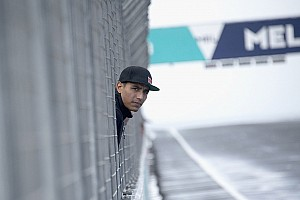 MotoGP Noticias Yonny Hernández presentó su