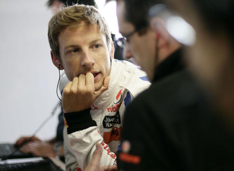 Button é o rival mais próximo de Vettel, a 60 pontos do alemão