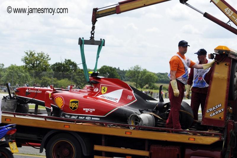 A Ferrari de Raikkonen ficou destruída após o impacto de 47g