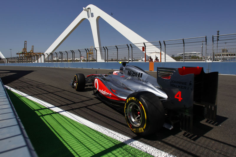 Jenson Button correu sozinho durante a maior parte da prova em Valência