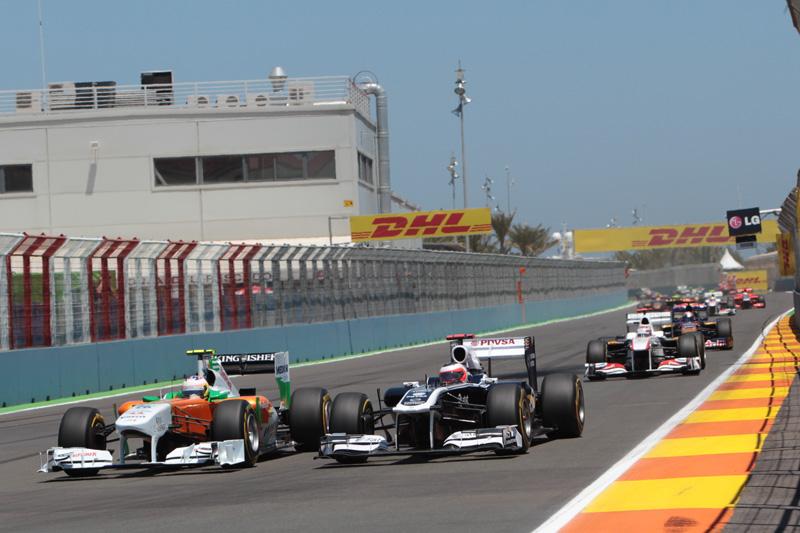 Di Resta passou parte da corrida brigando com Barrichello