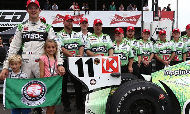 Bourdais celebra o prêmio pela pole-position