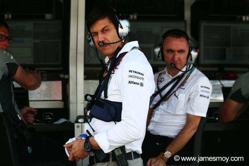 Chefe da Mercedes culpou Nico Rosberg pela colisão com Hamilton