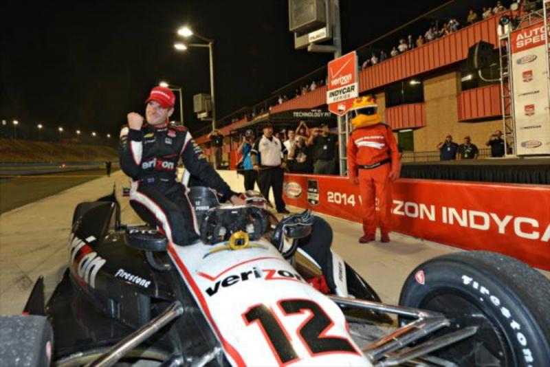 Power comemora depois de assegurar o título da temporada 2014 da Indy