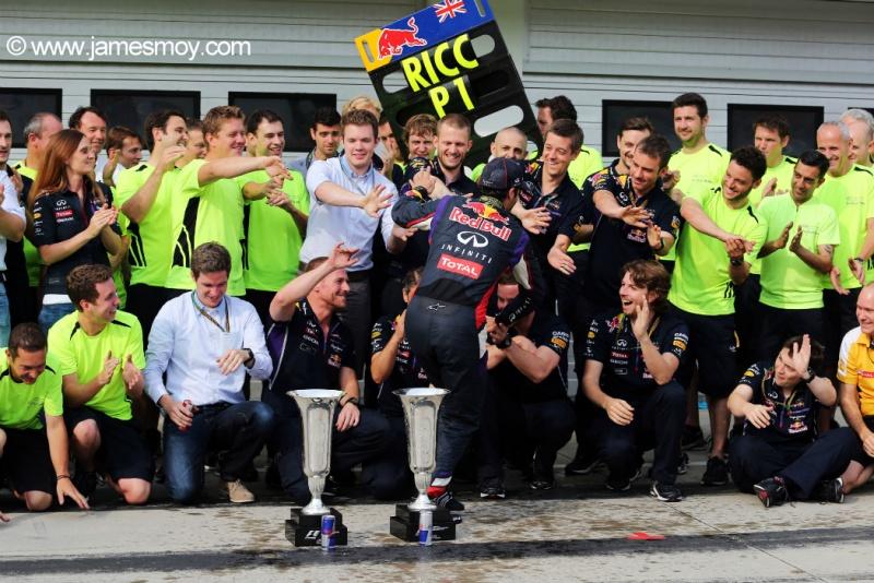 Ricciardo 'engole' o campeão Vettel na atual temporada