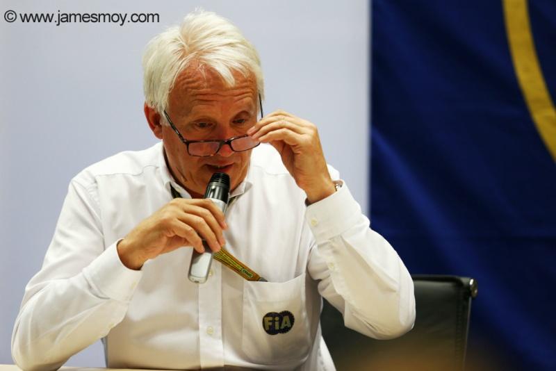 FIA e Charlie Whiting pedem a ajuda das equipes