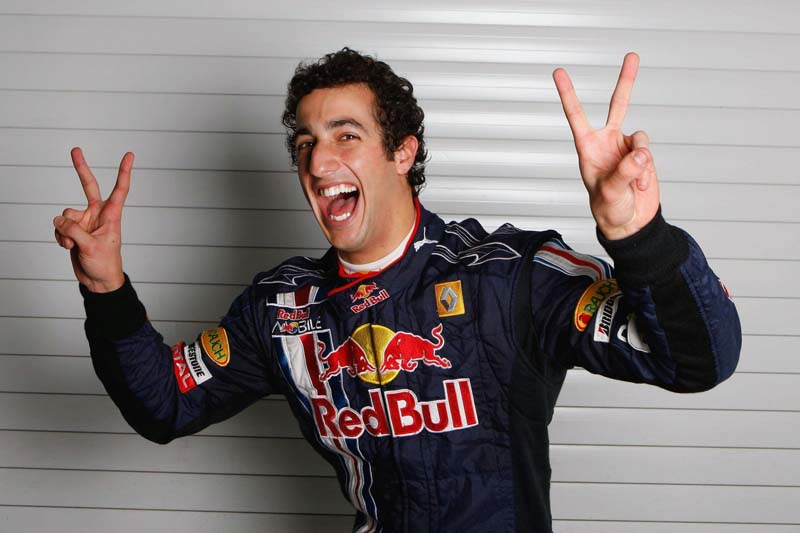 Rindo à toa: Ricciardo conta os minutos para estrear na F-1