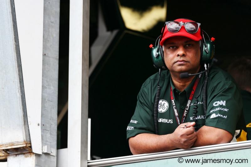 Tony Fernandes 'contra-atacou' nesta quinta-feira