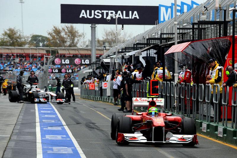 Massa deixa boxes em Melbourne: brasileiro fez simulação de corrida