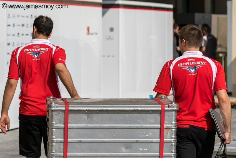 Esforço dos funcionários foi em vão: Marussia está fora do GP de Abu Dhabi