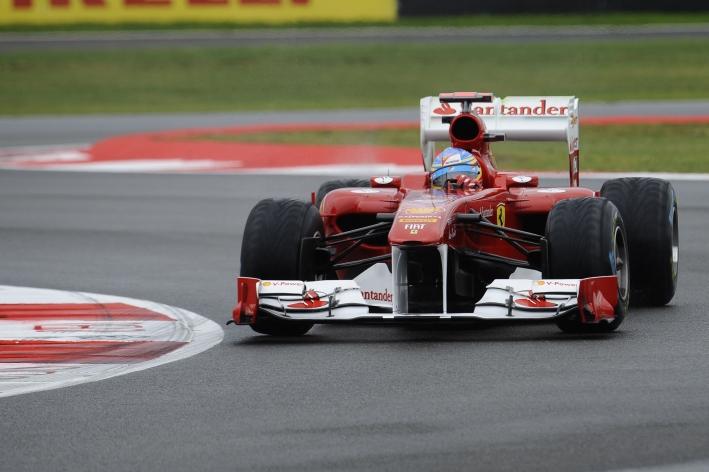 Alonso coloca Ferrari no topo pela primeira vez em 2011