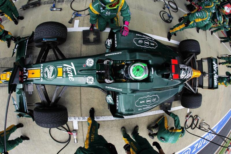 Heikki Kovalainen nos boxes