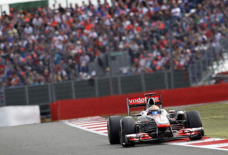 Hamilton classificou o ritmo da Ferrari e da Red Bull de inacreditável